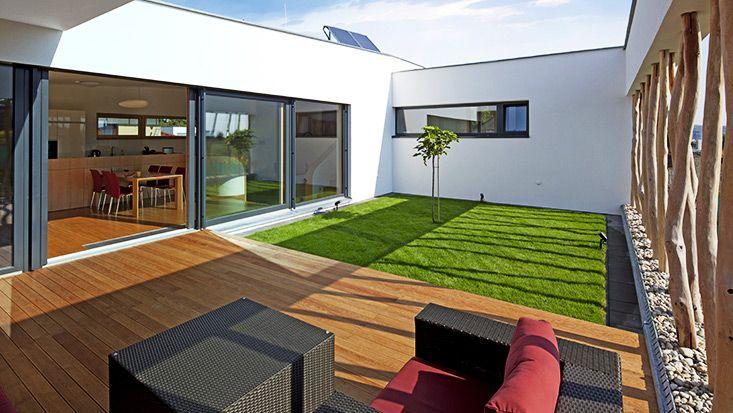 Dachterrasse mit Kunstrasen
